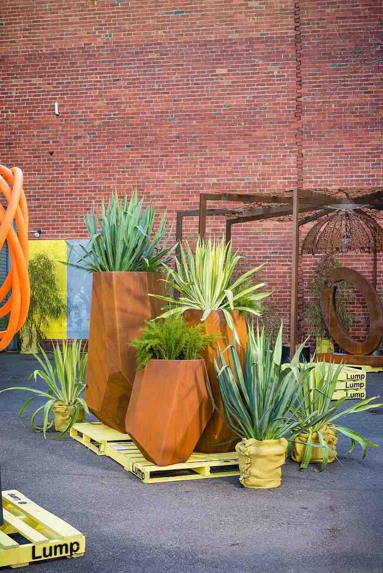 jardineras esculturas elementos jardin corten