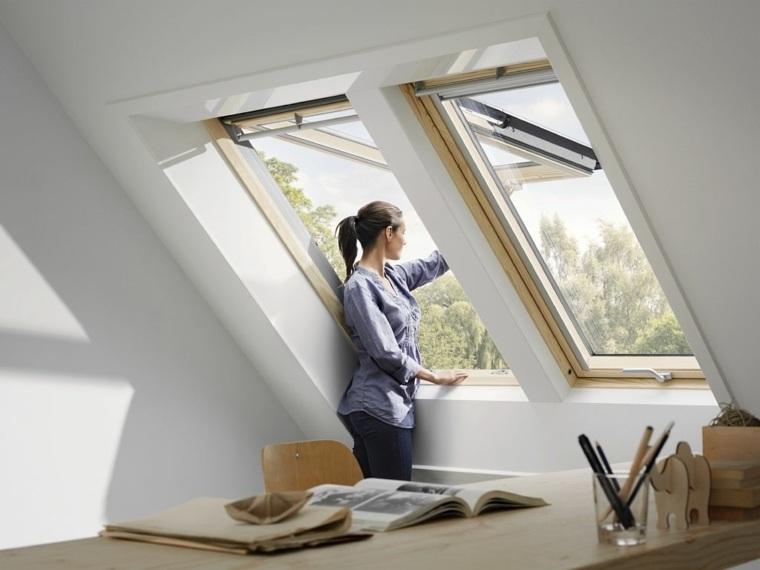 ventana pared techo ilumina atico ideas