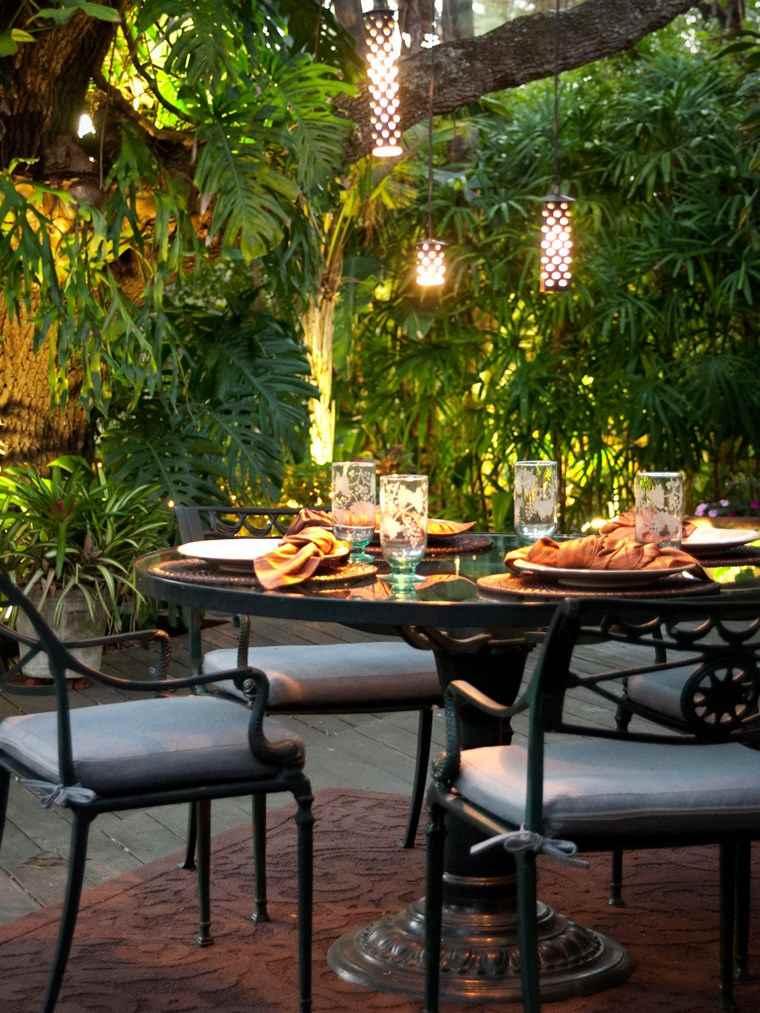 L mparas e iluminaci n original para el aire libre for Iluminacion arboles jardin