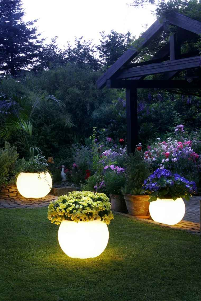 lamapras iluminacion exterior macetas jardin ideas