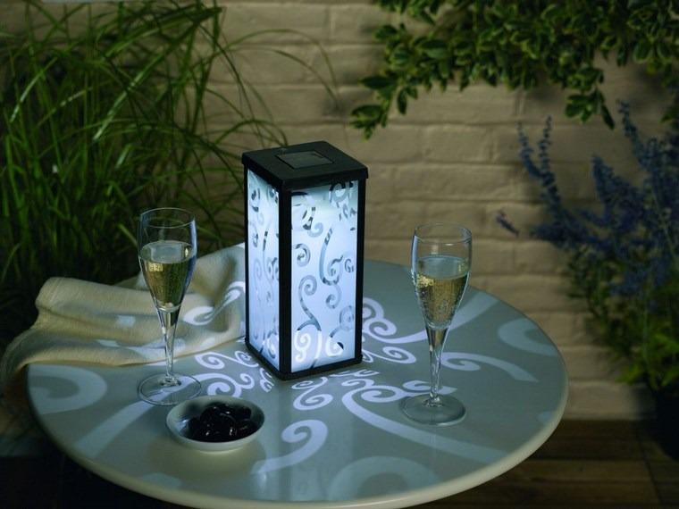 lamapras iluminacion exterior pequena mesa romantica ideas