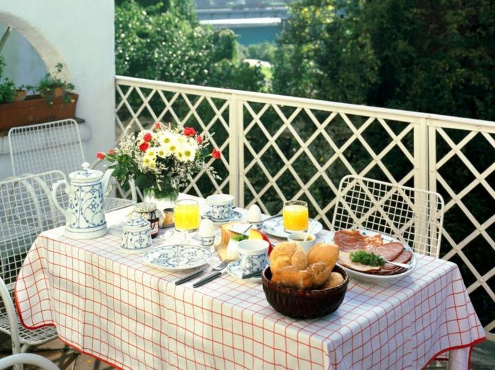 dining room table breakfast balcony terrace