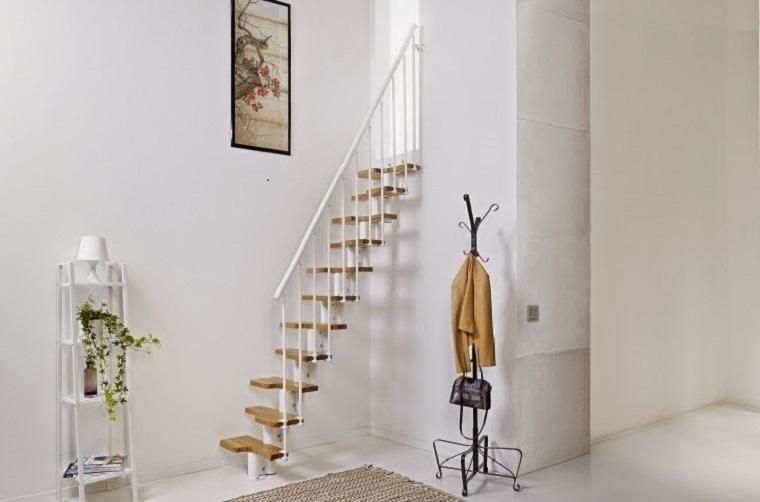 mini escaleras colgantes interiores pequeos