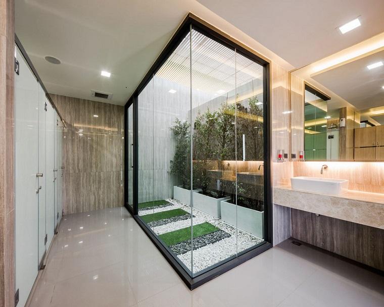 cuarto baño mini jardín