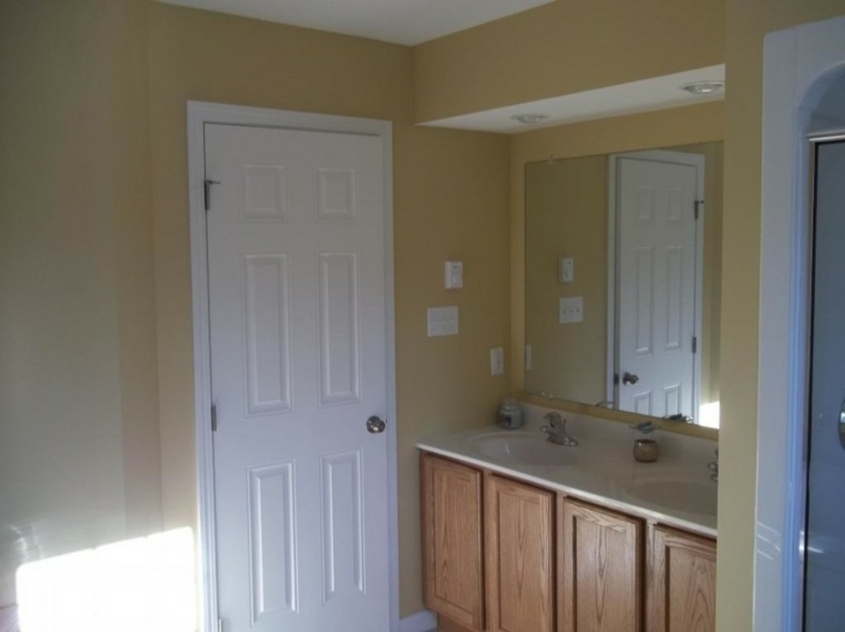 mueble lavabo madera dos puertas