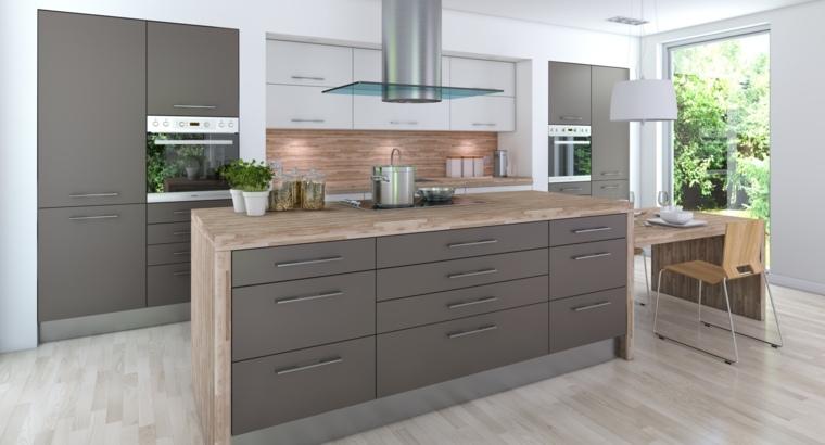 originales muebles de cocina grises con encimera de madera laminada