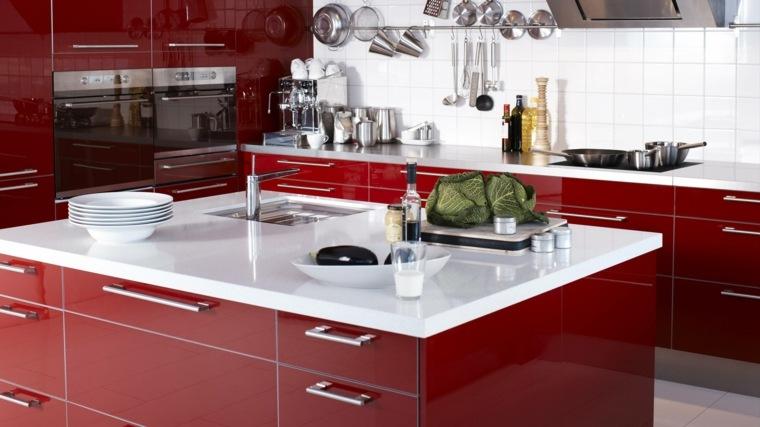 muebles de cocina en rojo brillante