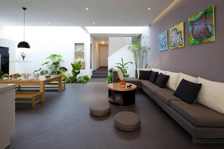 Patios interiores peque os ideas para una decoraci n moderna for Salas modernas precios