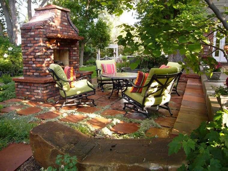 patio jardín chimenea leña