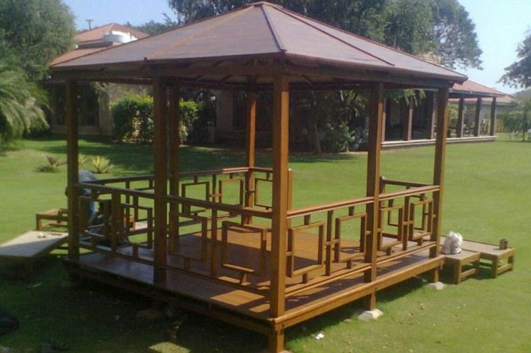 original diseño cenador madera tejado
