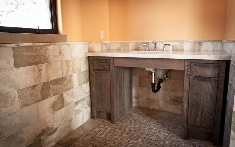 Muebles de ba o modernos de estilo r stico 49 modelos for Purple and brown bathroom ideas