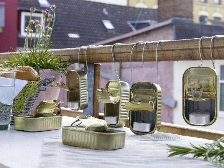 originales latas portavelas balcón deco