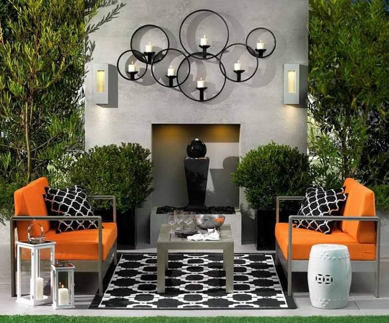 bonita decoración simétrica jardin