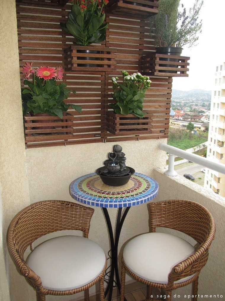 pequeña terraza moderna sillas