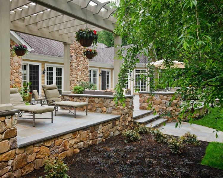 pergola madera diseños rocas base jardines colgantes