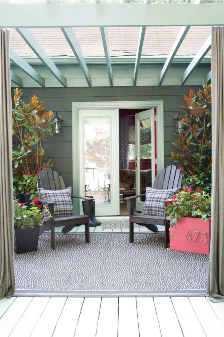 pergola madera rosa alfombras citas azules