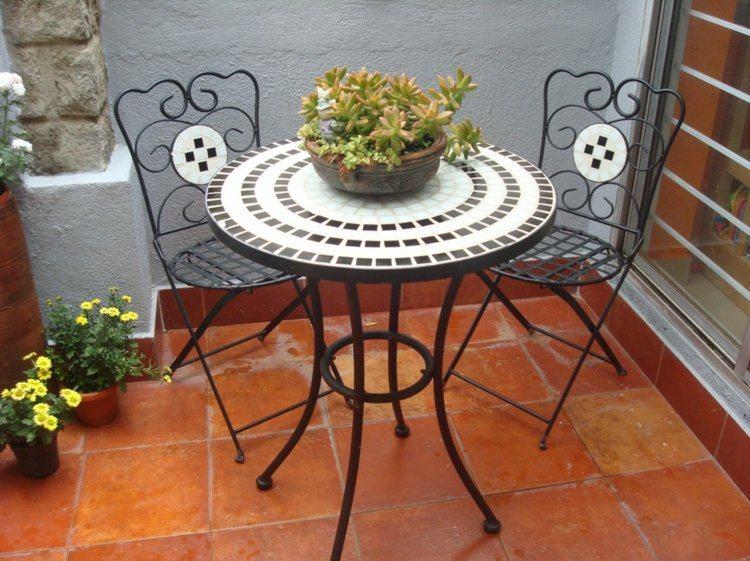 terraza plantas suculenas mesilla redonda