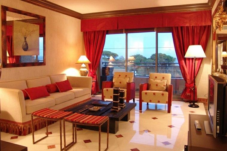sala estar cortinas rojas opacas