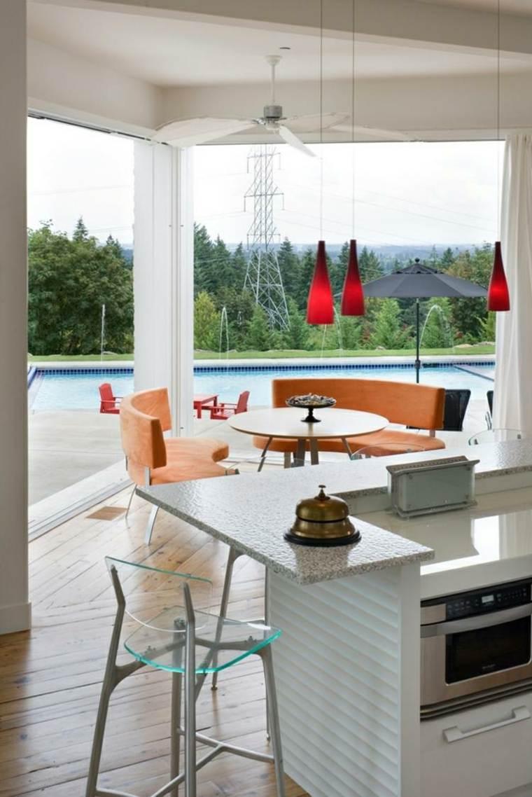 sala terraza vistas piscina moderna
