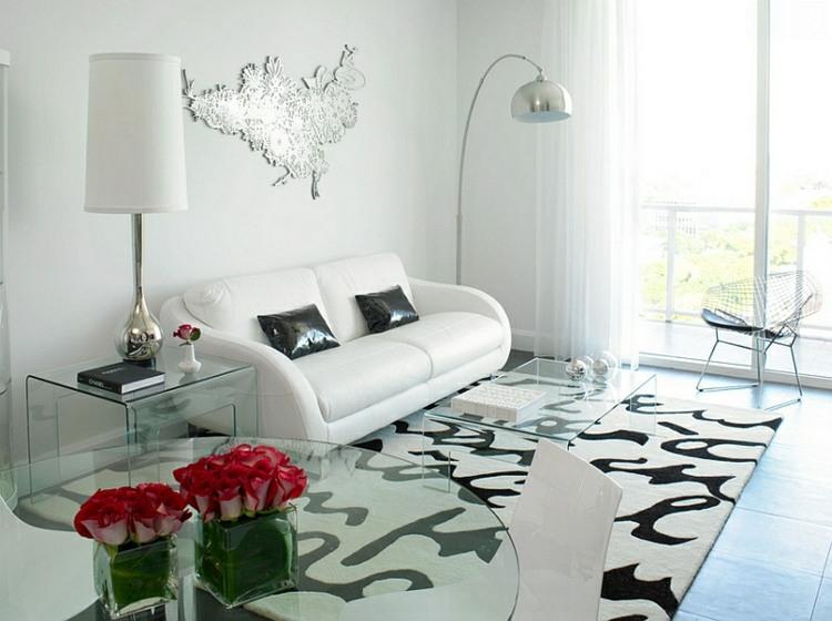 salon pequeño color blanco negro