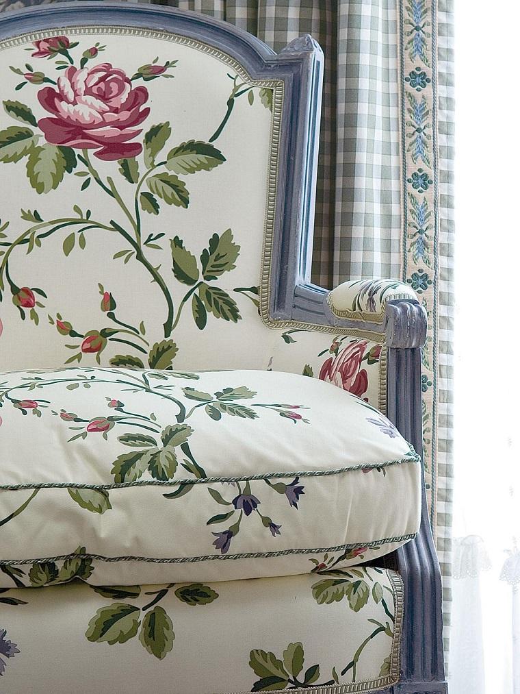 Sillones para dormitorios ideas coloridas para cada estilo - Precios de tapizados de sillones ...