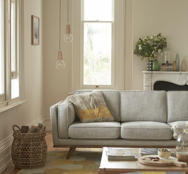 sofa gris mesa madera lamparas colgando techo ideas