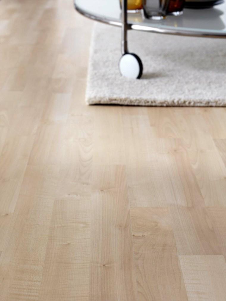 Suelo laminado o suelo de parquet c al elegir for Suelos laminados claros