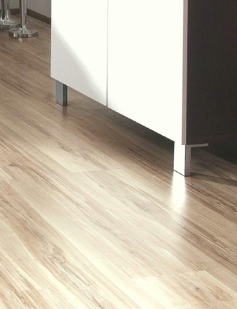 suelo laminado casa preciosa armario ideas