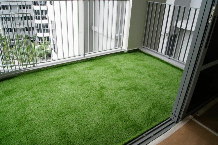 diseño suelo balcón césped