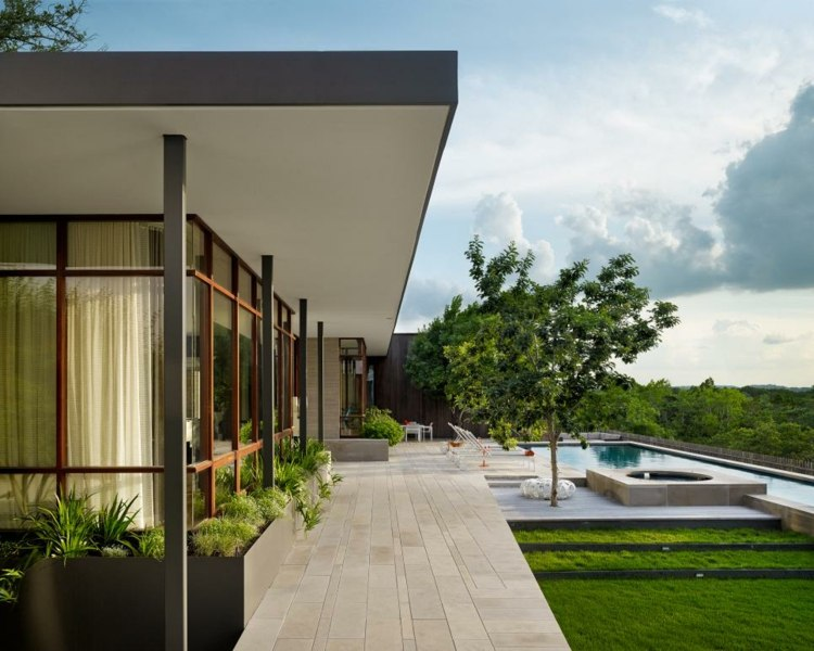 techos patio piscina arboles cesped piscina