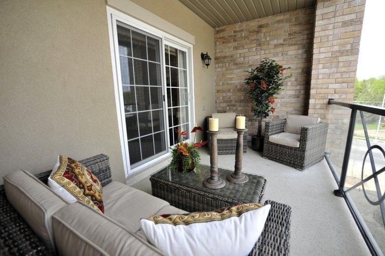 terraza moderna muebles elegantes mimbre