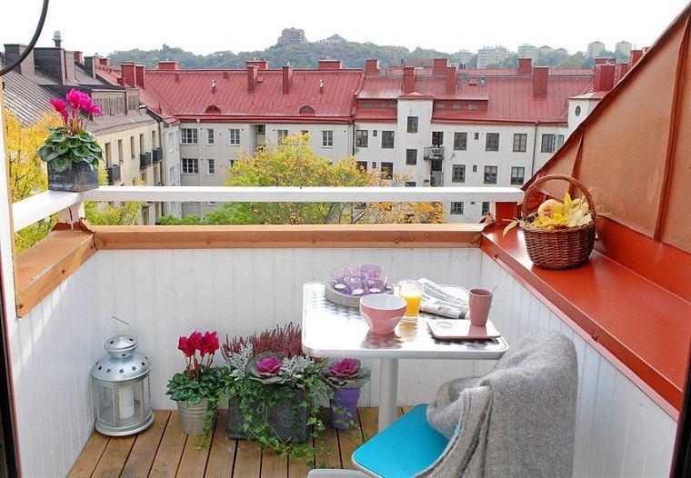 Decoracion de balcones y terrazas peque as 99 ideas for Terraza de arte y decoracion