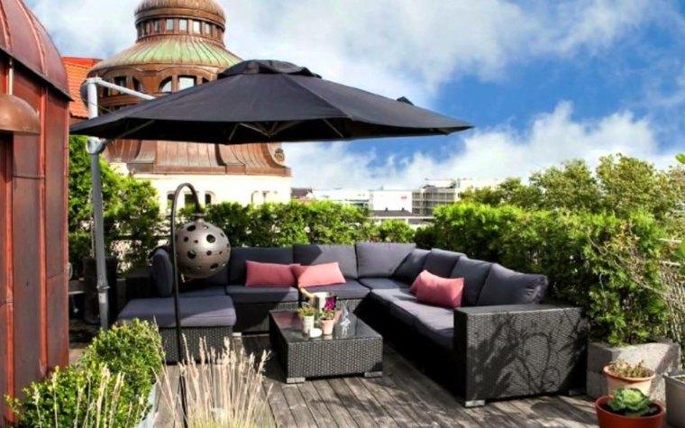 terraza preciosa muebles sombrilla negra ideas