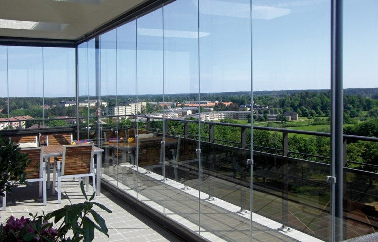 terraza vistas mesa comedor acristalada