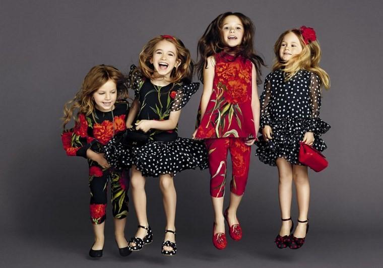 Dolice-Gabbana-chicas-modernas-vestidos-ropa-preciosa