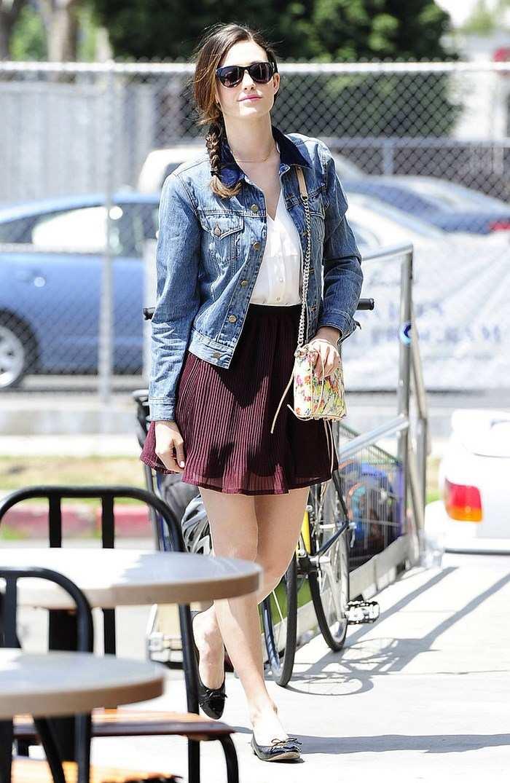 Emmy Rossum opciones verano falda corta ideas