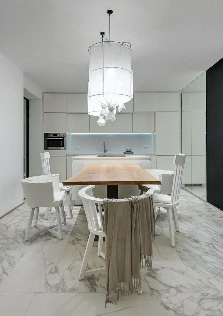 apartamento monocromatico cocina sillas blancas ideas