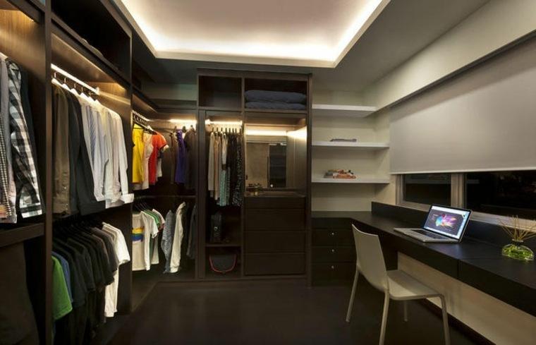 armario-sin-puertas-comparte-espacio-escritorio