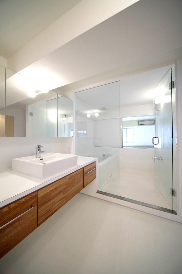 Baños minimalistas - la grandeza de lo más simple