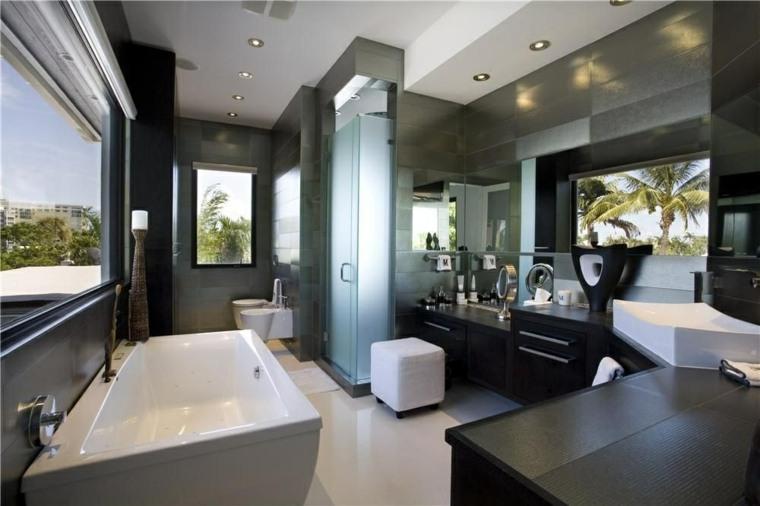 banos-diseno-original-muebles-negros-banera-blanca
