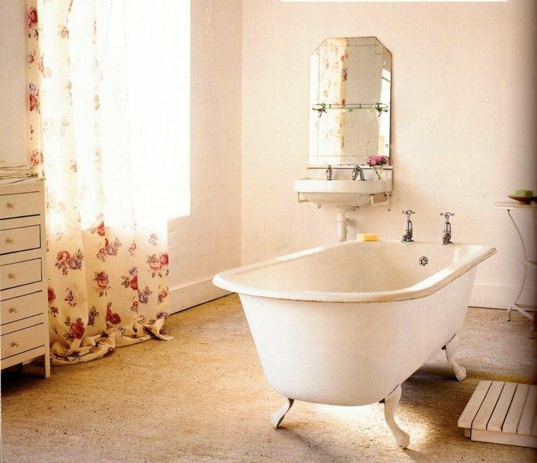 Cortinas De Baño Vintage:Cortina con estampa floral en el baño