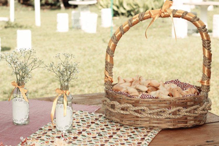 boda jardin cesta vintage panecillos