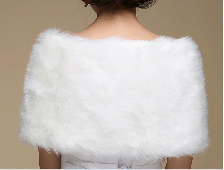bonito diseño poncho bolero blanco
