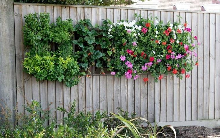 bonito diseño jardineras valla