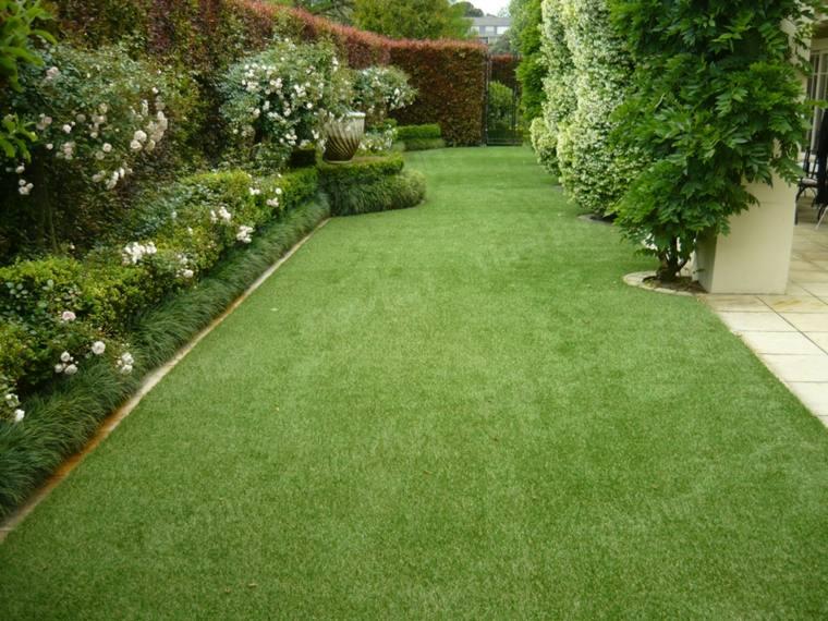 Decoracion de jardines con cesped artificial 50 ideas for Jardines verdes