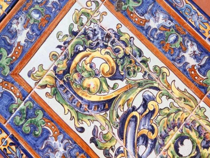 Decoracion andaluza motivos patrones y colores con for Azulejos antiguos sevilla