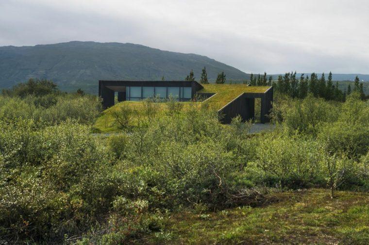 casa campo Islandia cubierta verde