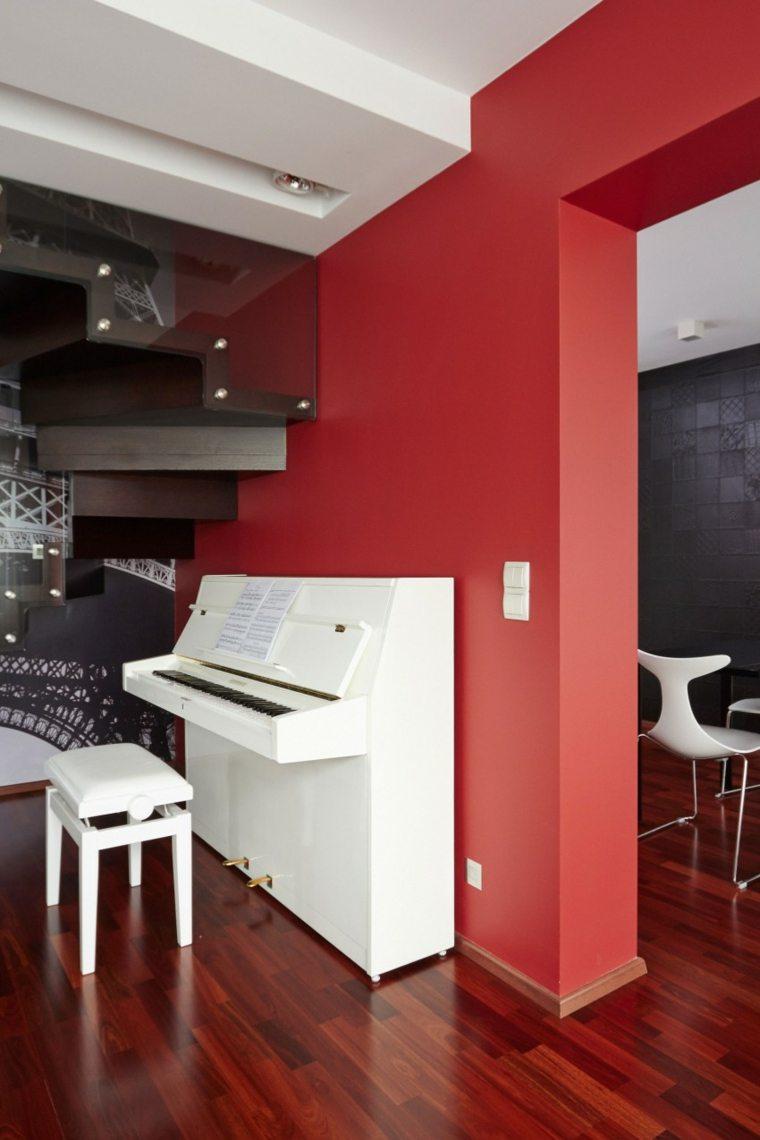 casa decora piano blanco pared roja ideas