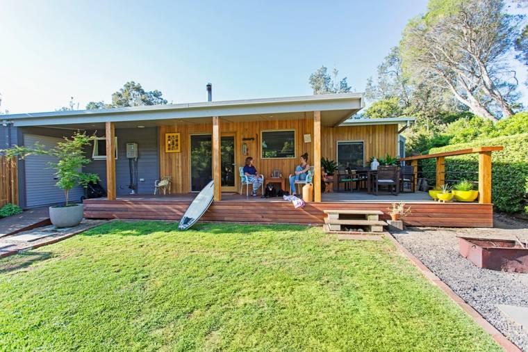 casa jardin porche cesped pergola madera ideas