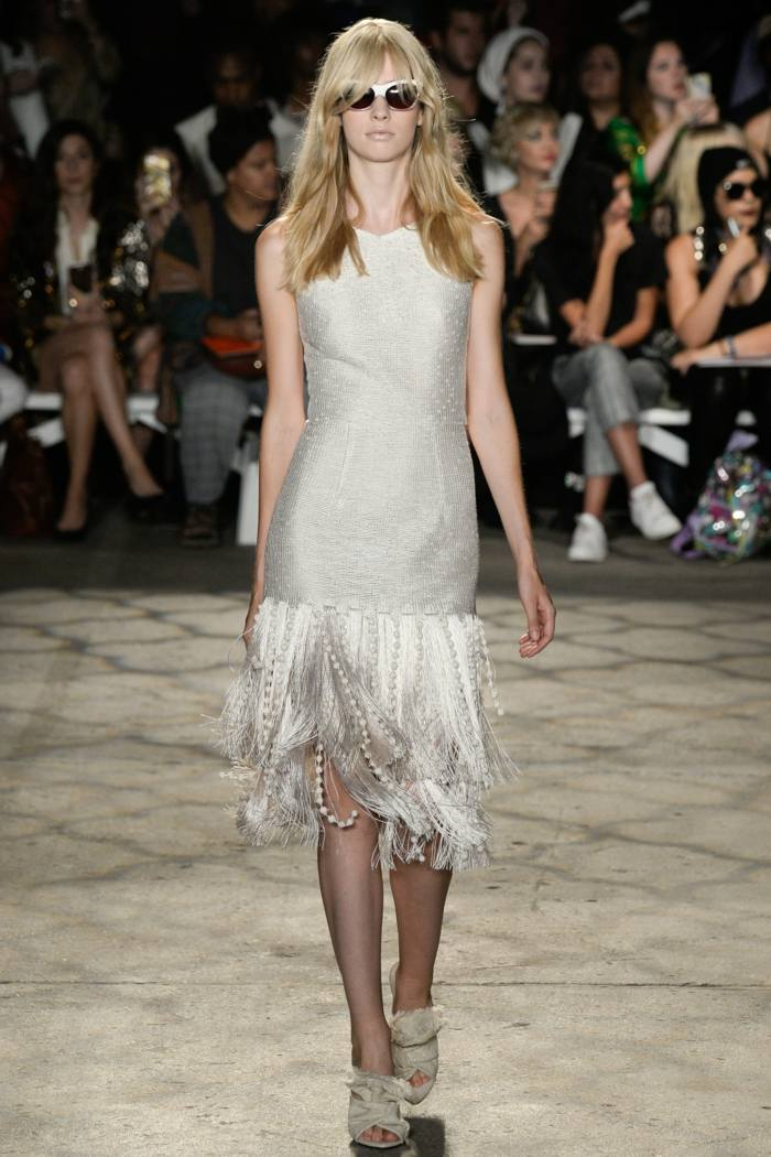 Christian Siriano color gris